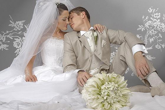 Организация свадьбы подразумевает большое количество хлопот. О многом нужно позаботиться заранее. Первоначально определяется количество гостей