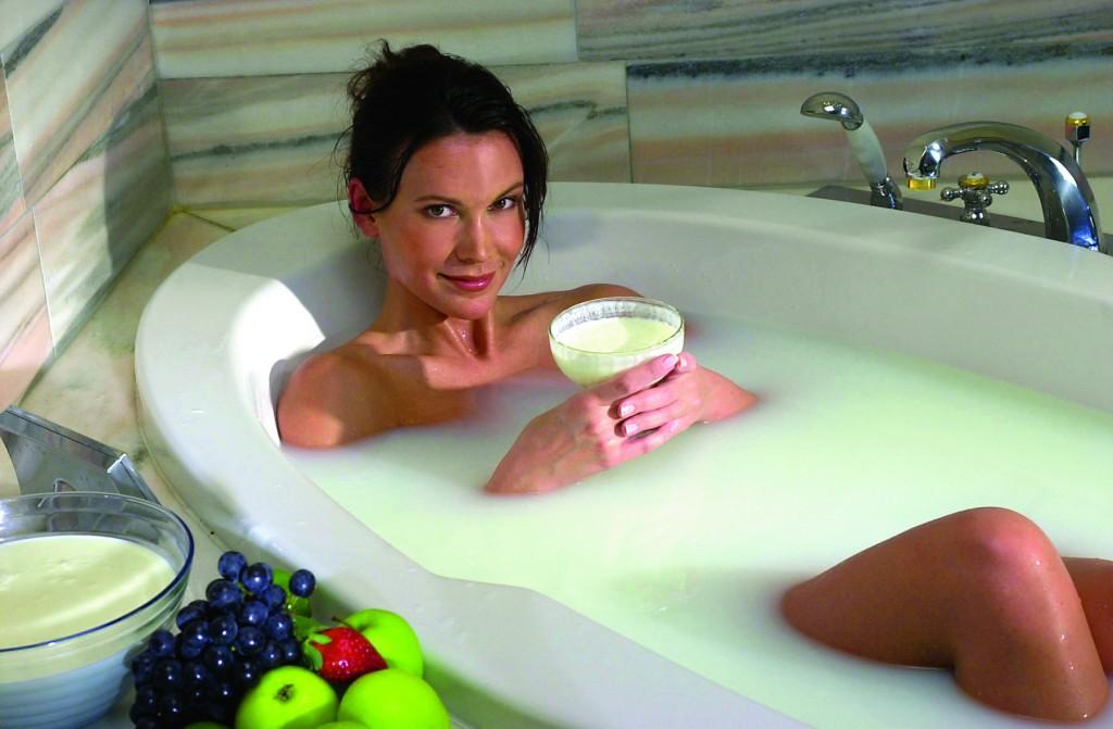С мамулей в ванне 7 фотография